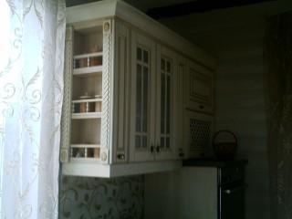 Балкончики с балюстрадами для хранения разных баночек.