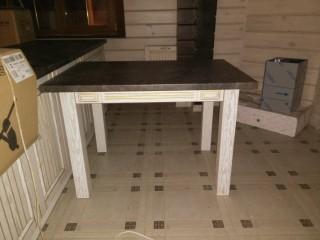 Обеденный стол. Каркас и опоры стола-МДФ, цвет белый ясень с золотой патиной.