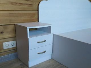 Мебель для спальни.Кровать с тумбочками.Фасады тумбочек и спинка кровати из МДФ в ПВХ плёнке.